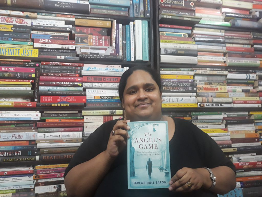 Fiza Pathan with The Angel's Game book in her hand. jpg